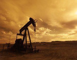 oil-pump-jack-1407715_1280